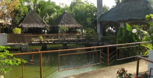 bulawan-floating-restaurant